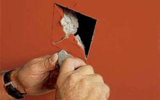 Ремонт пробоин и трещин гипсокартонного потолка