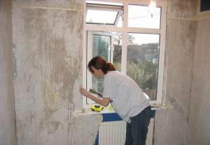 Подготовка бетонных стен под жидкие обои
