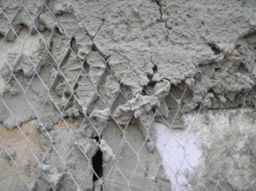 Сетка обеспечивает надежное приставание штукатурки к стене