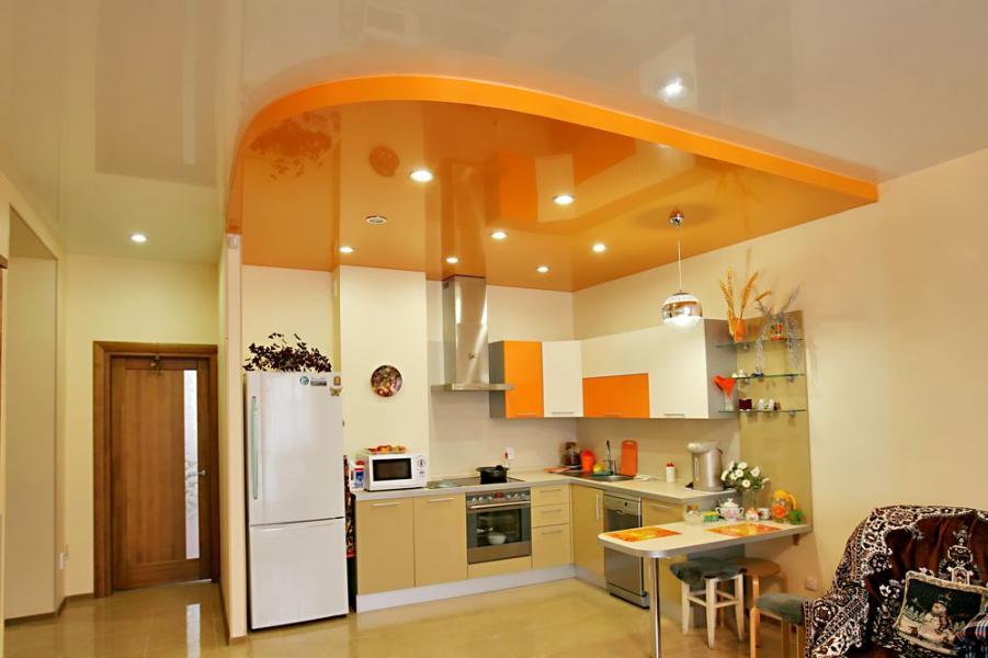 потолок натяжной на кухню фото
