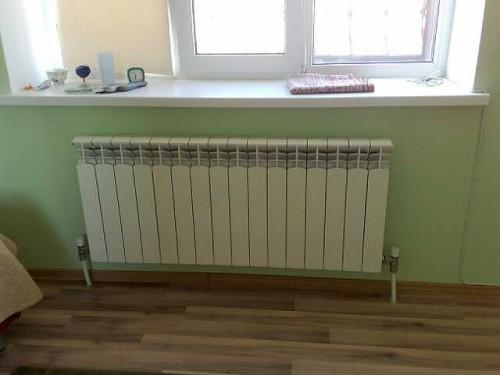 Алюминиевый радиатор, установленный у меня дома