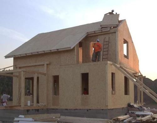 Так выглядит наш домик из сип-панелей год назад
