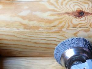 Шлифовка производится с помощью специальной насадки
