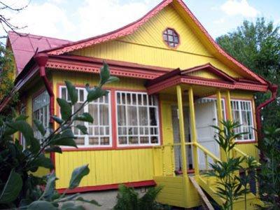 Фасад, окрашенный масляной краской - довольно популярное решение