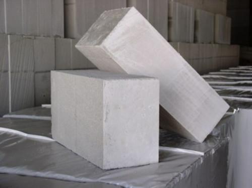 Самый простой вид газосиликатного блока - без пазов и гребней