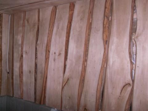 Стены обшил доской из липы - запах замечательный