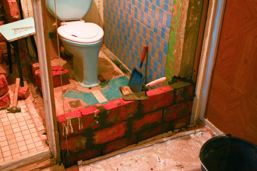 Ремонт туалета в частном доме своими руками 31